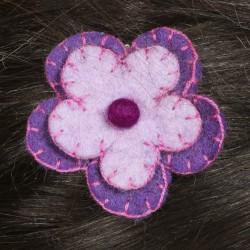 Prendedor pelo nina clip flor lana fieltro bordado malva