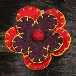 Barrette fleur laine brodée rouge