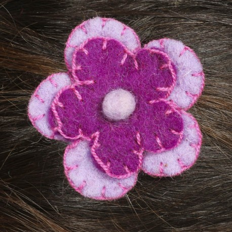 Prendedor pelo nina clip flor lana fieltro bordado violeta