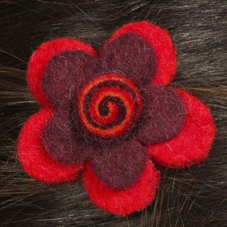 Prendedor pelo nina clip flor lana fieltro espiral rojo