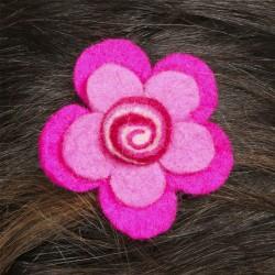 Prendedor pelo nina clip flor lana fieltro espiral rosa