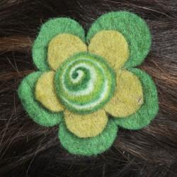 Prendedor pelo nina clip flor lana fieltro espiral verde