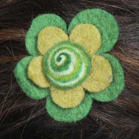 Barrette enfant fleur spirale verte