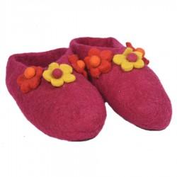 Chaussons laine bouillie fleurs fuschia